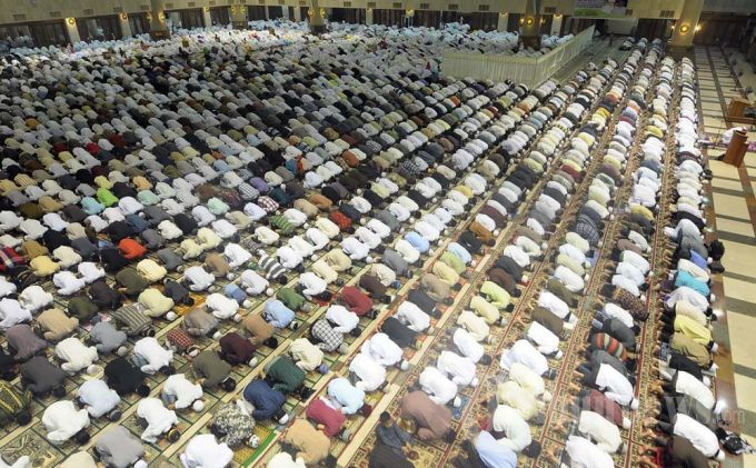20130709_shalat-tarawih-pertama_3373