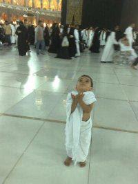 Cute muslim kid praying  (6)